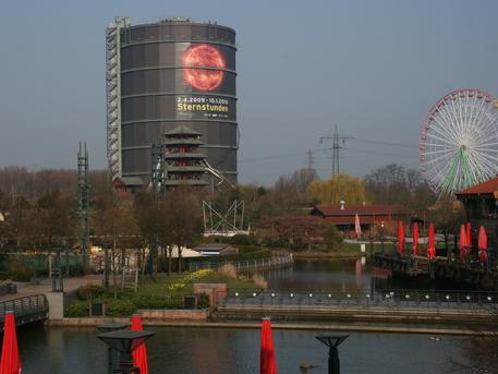 """Die Ausstellung """"Sternstunden - Wunder des Sonnensystems"""" ist ab dem 2. April im Gasometer Oberhausen zu sehen."""