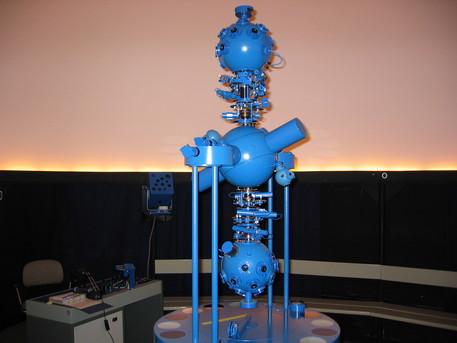 Der Zeiss-Projektor ZKP 2 im Planetarium der Marineschule Mürwik.