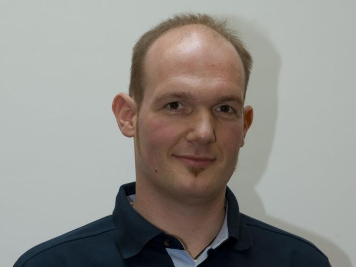 Der neue europäische Astronaut Alexander Gerst aus Deutschland wurde 1977 geboren, hat an der Universität Karlsruhe Physik studiert und stammt ursprünglich aus der baden-württembergischen Stadt Künzelsau.