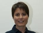 """Samantha Cristoforetti wurde 1977 in Mailand, Italien, geboren. Sie studierte an der Technischen Universität München, Deutschland, der Ecole Nationale Supérieure de l'Aéronautique et de l'Espace in Toulouse, Frankreich, und der Mendeleev University of Chemical Technologies in Moskau, Russland. Sie hat einen Master in Ingenieurwesen sowie einen Master in Luft- und Raumfahrtwissenschaften der Universität Neapel """"Federico II"""", Italien. Leutnant Cristoforetti ist Kampfpilotin der italienischen Luftwaffe. Ihre Hobbys sind Bergsteigen, Tauchen und Höhlenforschung."""