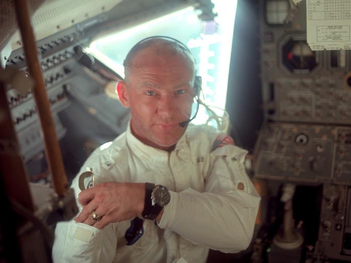 19. Juli 1969: Edwin Aldrin inspiziert die Mondlandefähre einen Tag vor der Landung.