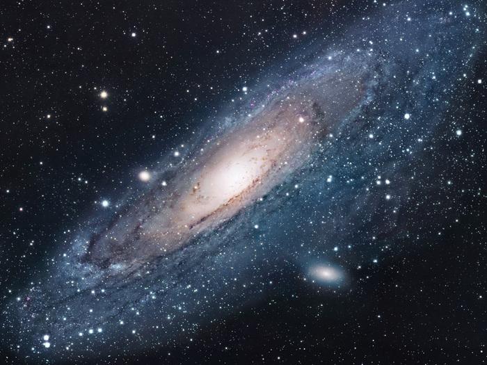 Der aus der Science-Fiction bekannte Andromedanebel müsste korrekterweise Andromeda-Galaxie genannt werden. Andromeda ist eine Spiralgalaxie, wie unsere eigene Galaxie - die Milchstraße.