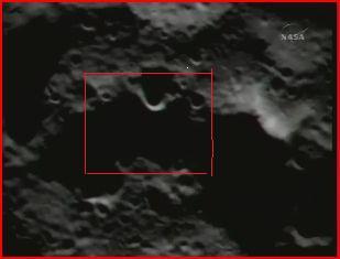 Zum Vergleich ein optisches Bild des Einschlagsgebietes mit ungefähr dem gleichen Ausschnitt (roter Kasten) wie auf dem Infrarot-Bild.