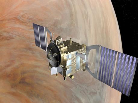 Das Bild zeigt eine künstlerische Darstellung der Venus Express-Sonde vor der Venus. Die Europäische Weltraumorganisation ESA verlängerte die Planetenmission Venus Express bis Ende des Jahres 2012. Venus Express startete am 9. November 2005 vom russischen Weltraumbahnhof Baikonur in Kasachstan an Bord einer Sojus-Trägerrakete. Nach fünf Monaten schwenkte die Raumsonde am 11. April 2006 in einen Orbit um unseren Nachbarplaneten ein und umkreist seitdem die Venus. An Bord befinden sich sieben wissenschaftliche Instrumente, mit denen die planetare Umgebung der Venus, ihre dichte und komplex aufgebaute Atmosphäre und die heiße Oberfläche aus einer Umlaufbahn erforscht werden.