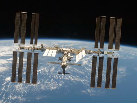 Die materialwissenschaftlichen Experimente können ausschließlich auf der ISS durchgeführt werden, da nur hier ausreichend lange Schwerelosigkeit zur Verfügung steht, um die Fragestellungen zu untersuchen. Die Forschung auf der ISS ermöglicht kontrollierte und genau definierte Experimentabläufe, ohne den störenden Einfluss der Schwerkraft und bietet somit ideale Bedingungen für die Grundlagenforschung.