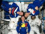 La tripulación de la Soyuz TMA-15: Frank De Winne, Roman Romanenko y Bob Thirsk