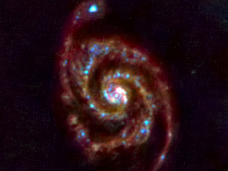 """Die Galaxie M51, mit dem Infrarot-Teleskop """"Herschel"""" aufgenommen"""