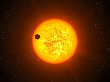Künsterische Darstellung von CoRoT-9b vor seiner Sonne