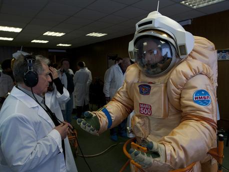 Prueba de un traje espacial ´marcianizado´. El traje se ha modificado para su uso en la gravedad terrestre.