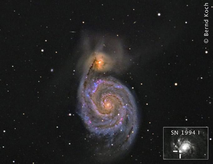 Meade-12''-ACF-Teleskop und TS-2''-Field-Flattener, Brennweite 2970 mm. Die Farbaufnahme wurde mit einer modifizierten Canon EOS 20D aufgenommen. Die Gesamtbelichtung betrug 115 min. am 12.3.2007. Für den Helligkeitskanal dieses Bildes, die Luminanz, wurde kürzlich die SBIG-STL-11000 eingesetzt. Gesamtbelichtung 15 x 600s am 5.4.2010. Ort: Sörth/Westerwald. Kleines Bild: Supernova SN 1994 I am 6.4.1994, aufgenommen auf hypersensibiliserten Schwarzweißfilm TP2415 mit einem Celestron-14. Fotos: Bernd Koch