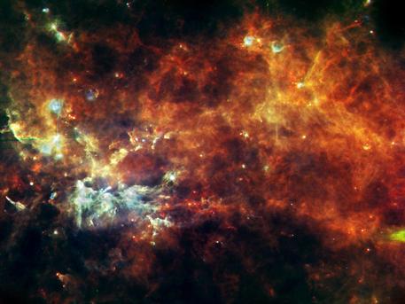 'Cadena de producción' de estrellas en la constelación de Vulpecula