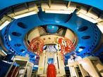 """Auch Raumtransporttechnologie bleibt ein zukunftsweisender Bestandteil der neuen deutschen Raumfahrtstrategie: Das Bild zeigt die Unterseite des Transportmoduls ATV-2 """"Johannes Kepler"""", das Material und Experimente zur Internationalen Raumstation ISS transportieren soll."""