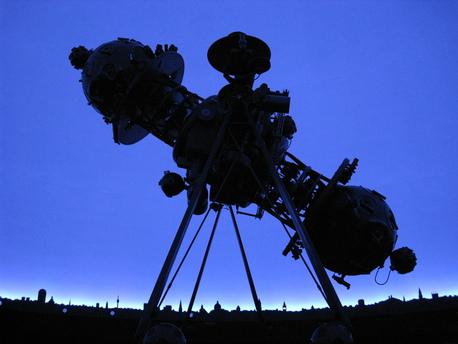 Der Zeiss-Projektor Modell V B im Planetarium der Wilhelm-Foerster-Sternwarte in Berlin.