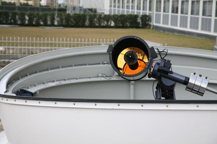 Der goldbeschichtete 12,5-Zoll-Reflektor (Deckname: Golden Eye) in der Baader-Kuppel