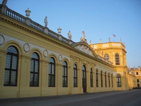 Die Orangerie beherbergt das Astronomisch-Physikalische Kabinett (bis 2004: Museum für Astronomie und Technikgeschichte) mit dem Planetarium.