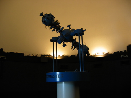 Der Planetariumsprojektor ZKP 2 Skymaster im Planetarium Magdeburg.