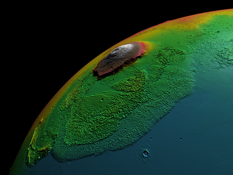 Only the so-called false-color image shows how high the Olympus Mons rises above the Martian surface. The uniform rock color on Mars would make it impossible for us to appreciate the size of the mountain in true colors.