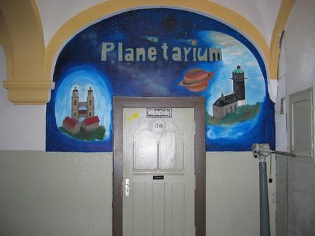 Hinter dieser Tür verbirgt sich das Wittenberger Planetarium.