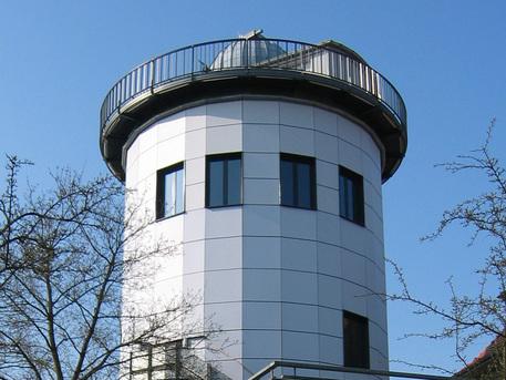 Die Sternwarte mit dem Planetarium in Schwerin.