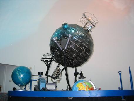 """Der Planetariumsprojektor in Nordhausen ist """"Marke Eigenbau""""."""
