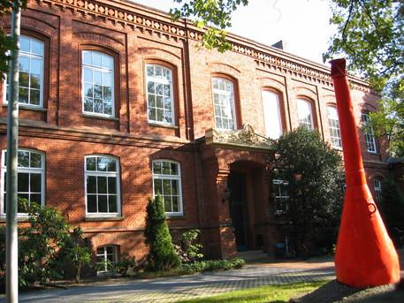 Das Gebäude des Instituts Seefahrt in Leer gehört zur FH Oldenburg/Ostfriesland/Wilhelmshaven.