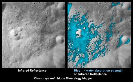 """Diese Bilder zeigen einen jungen Mondkrater auf der erdabgewandten Seite, aufgenommen vom """"Moon Mineralogy Mapper""""-Instrument der NASA auf der indischen Mondsonde Chandrayaan-1. Die linke Aufnahme ist bei kurzen infraroten Wellenlängen entstanden. Das rechte Bild zeigt die Verteilung wasserreicher Mineralien (hellblau) um den Krater. Wasser- und Hydroxyl-reiches Material wurde vor allem im Auswurfmaterial gefunden."""