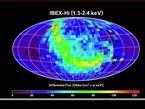 Diese IBEX-Aufnahme aus 14 verschiedenen Karten zeigt sehr eindrücklich das vom Magnetfeld unserer Milchstrasse verursachte Strahlungsband.