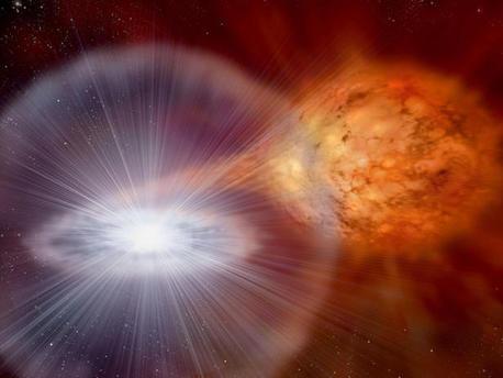 Der roter Riesenstern im binären Sternensystem RS Ophiuchi entlädt regelmäßig Wasserstoffgas auf seinen Begleiter, einen Weißen Zwerg.