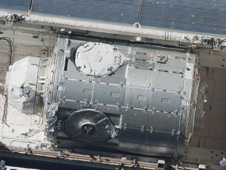 El Nodo-3 y la Cúpula en la bodega de carga del Endeavour