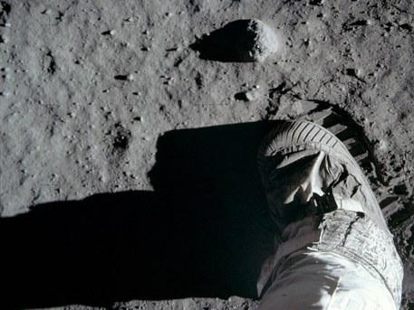 Huella de Aldrin sobre la superficie de la Luna