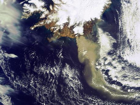 Nueva imagen de la nube de cenizas del volcán islandés, vista desde el Espacio