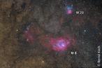 Messier 8 und Messier 20 in einer Aufnahme vom 31. 5. 2008. Optik: Pentax 75 mit 500 mm Brennweite. Kamera: H-Alpha-modifizierte Canon EOS 5D (Vollformat). Belichtung: 11 x 300s (zuzüglich Dunkelbilder). In etwa das gleiche Gesichtfeld erreicht man mit einer EOS 350D bei 300 mm Brennweite. Foto: Bernd Koch auf Farm Tivoli / Namibia (dort geht diese Region durch den Zenit…).