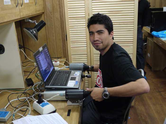 Diego prueba el ordenador de abordo