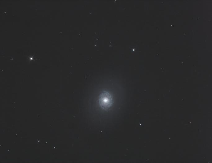 Galaxie M 94, Aufnahmedaten: Canon 300 D/ 800 ASA, 15 Einzelbelichtungen a 300 sek, Hypergraph 400/3200,  17.04.2010 bei Hückeswagen. Bildautor: Bernd-Reiner Ebel