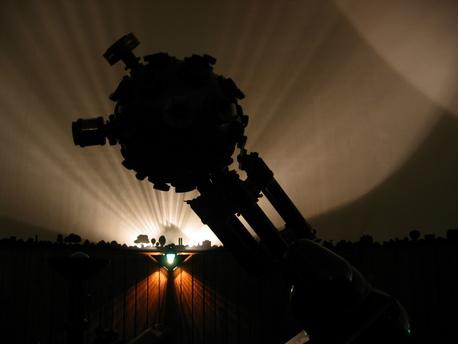 Der Zeiss-Projektor ZKP 1 im Planetarium des Gymnasiums Köln-Nippes.