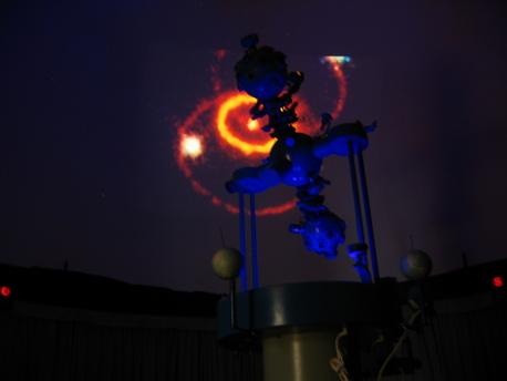 Der Zeiss-Projektor ZKP 2 im Planetarium Chemnitz.