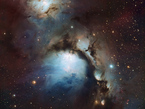 """Im Mittelpunkt dieses Bildes, das mit dem MPG/ESO 2,2-Meter-Teleskop am La Silla-Observatorium in Chile aufgenommen wurde, steht das Nebelgebiet Messier 78. Die Sterne, die dieses kosmische Stillleben beleuchten, halten sich dabei dezent im Hintergrund. Das Sternlicht streut an Staubteilchen in der Nebelwolke und verleiht dem Ganzen so einen bläulichen Farbton. Mit seiner Bildvariante dieses eindrucksvollen Himmelsobjekts gewann Igor Chekalin den Astrofotografie-Wettbewerb """"ESO's Hidden Treasures 2010""""."""