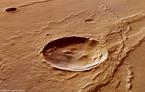 Marskrater in der Region Melas Dorsa. Quelle: DLR