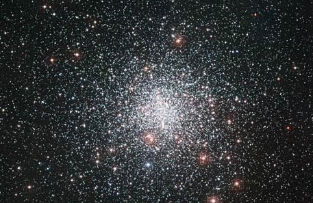 The globular star cluster Messier 4. (c) ESO