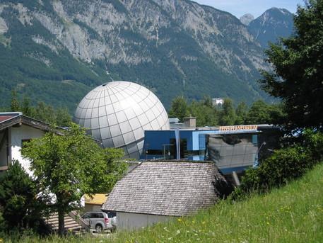 Das Planetarium in der Tiroler Silberstadt Schwaz.