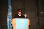 Der für seine spacige Musik bekannte Künstler Jean-Michel Jarre bei der Eröffnung des IYA 2009